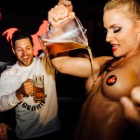 Oktoberfest Schnitzntits cleavage beer stripper